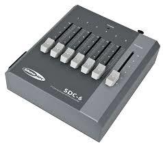 Showtec SDC-6 6 kanaals fader controller DMX 9V of PSU