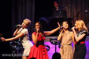 Orangerental en High Heels in Concert